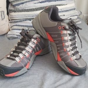 Columbia Trail shoes size8.5M